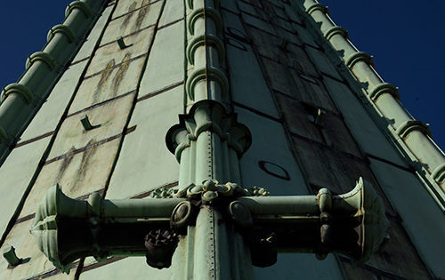 Kreuz des Turms der Gethsemanekirche
